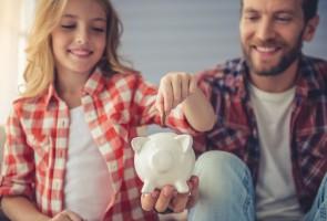 Kako razgovarati s djecom o novcu